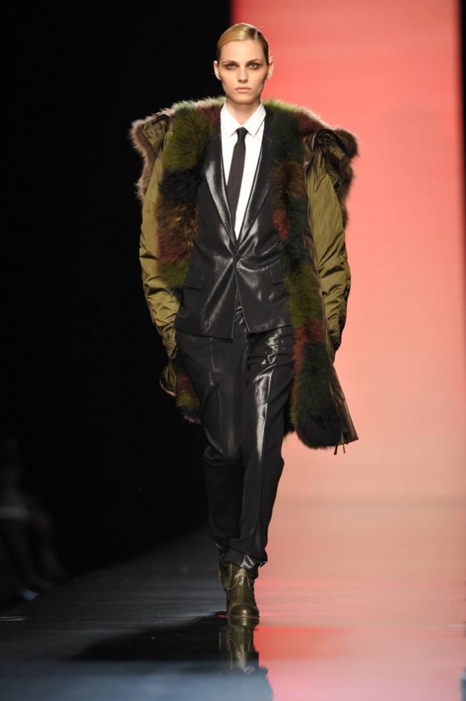 Andrej Pejic pour Jean-Paul Gaultier Automne-Hiver 2011/2012 collection homme