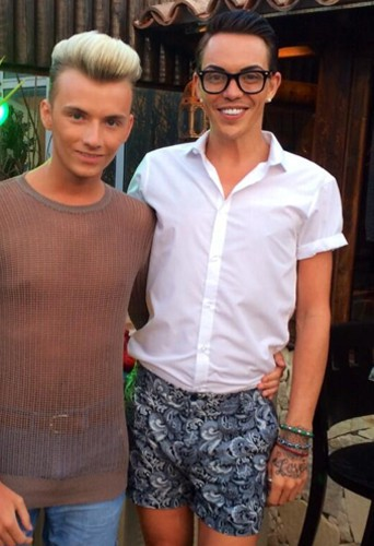 Mode : Bobby Norris et Harry Derbidge : les amoureux British lancent la tendance du demi-string ! Attention les yeux...