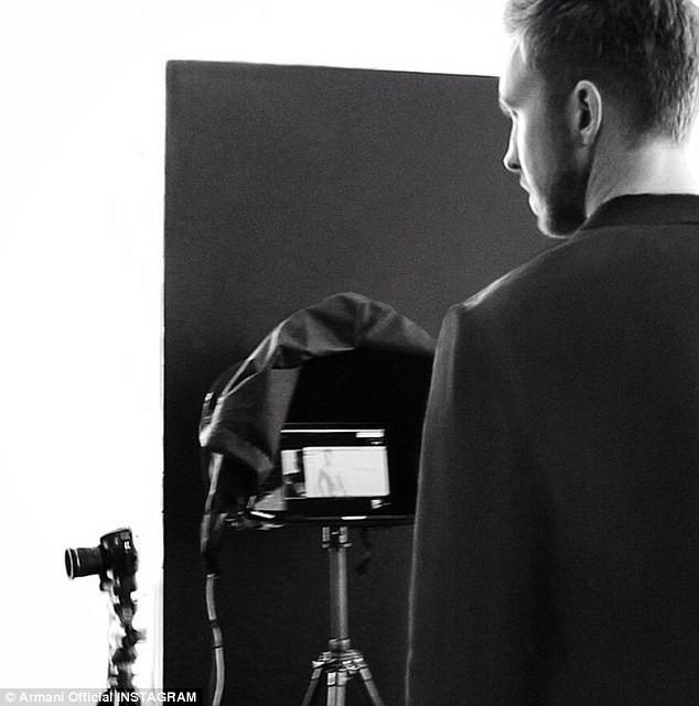 Mode : Calvin Harris : découvrez en avant-première, ses photos HOT pour Emporio Armani !