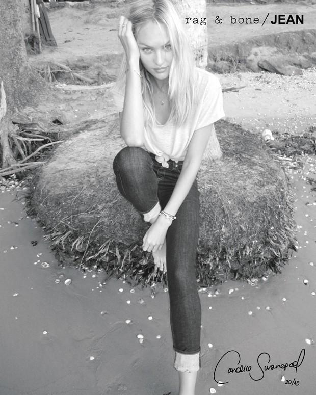 Même en t-shirt basique et jean, elle est superbe !