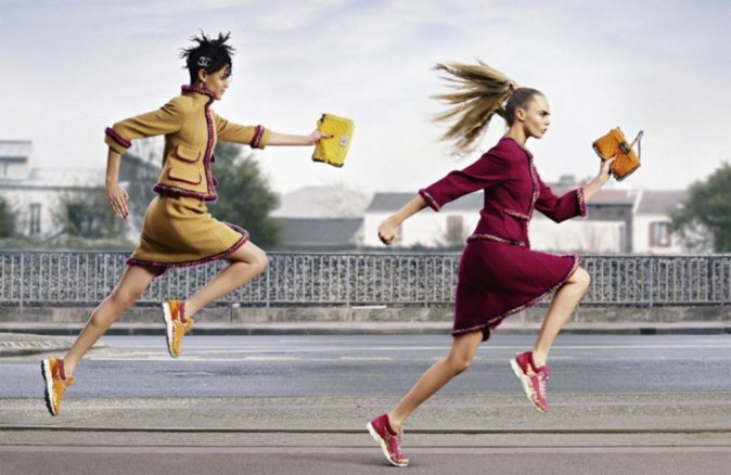 Cara Delevingne et Binx Walton pour la collection Chanel automne-hiver 2014/2015