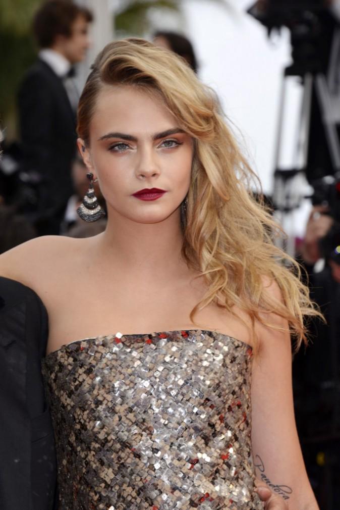 Mode : Cara Delevingne : infidèle à Karl Lagerfeld pour l'un de ses concurrents !