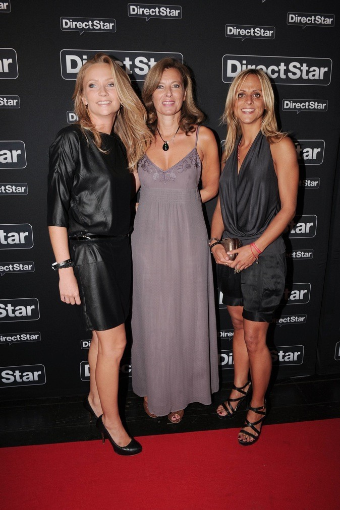 Septembre 2010 : Valérie Trierweiler en robe taupe