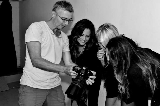 Mode: Caroline Receveur : la starlette d'Hollywood Girls prend la pose aux côtés de Capucine Anav et Julia Flabat pour partir à la conquête de l...