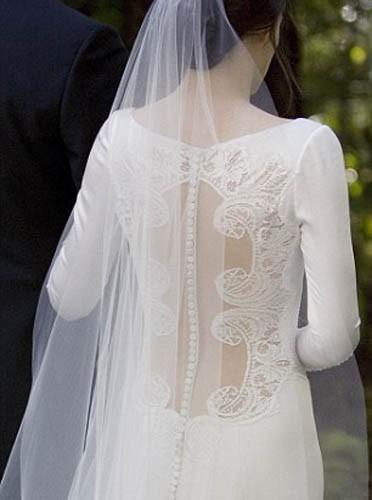 Le dos sexy de Bella pour son mariage avec Edward