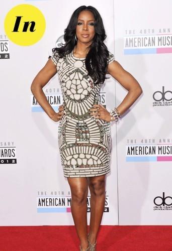 Kelly en robe Naeem Khan pour la 40e cérémonie des American Music Awards.
