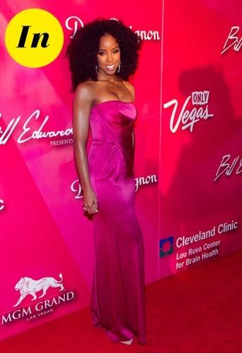 Kelly superbe dans sa robe rose.