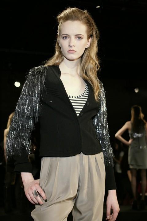 Daria Strokous défilé pour Vena Cava (Mercedes Benz fashion week automne-hiver 2009)