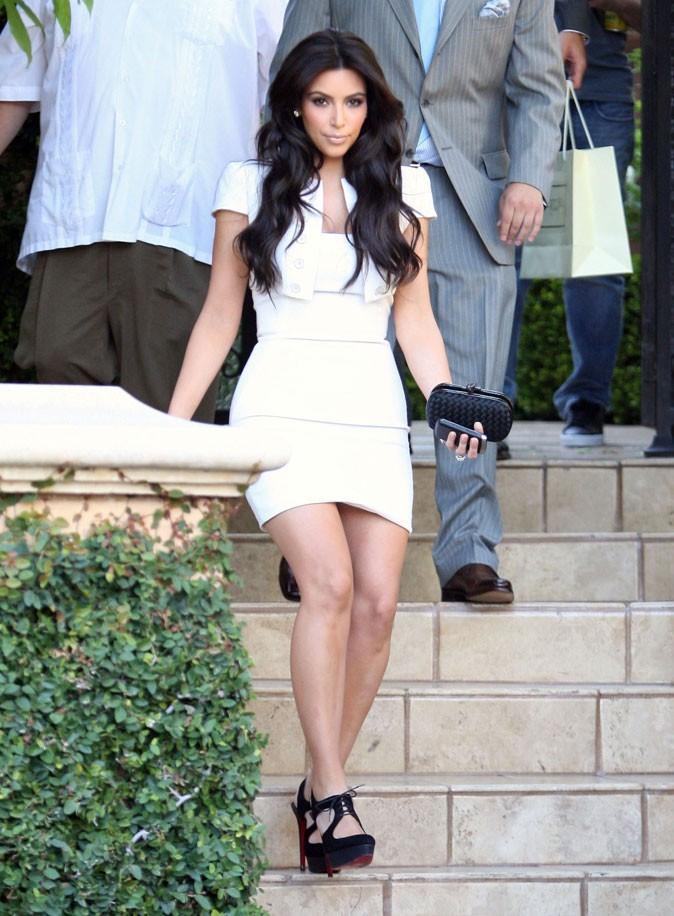 Kim Kardashian : une mini-robe blanche pour la répétition du mariage !