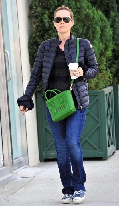 Leslie Mann porte le sac Luggage de Céline