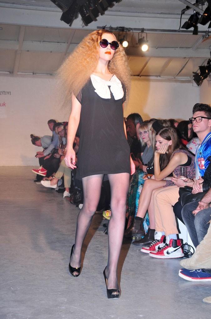 Fearne Cotton x Very : une mini-robe noire à maxi-noeud blanc !