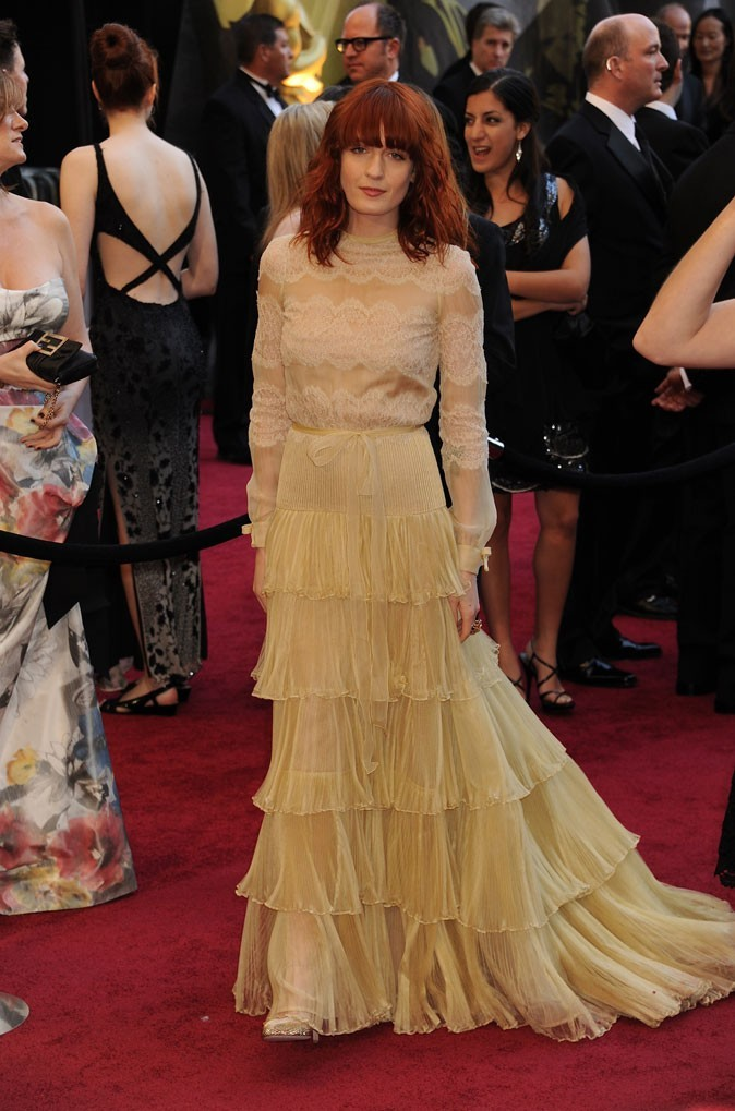 Florence Welch en robe longue en dentelle vintage !