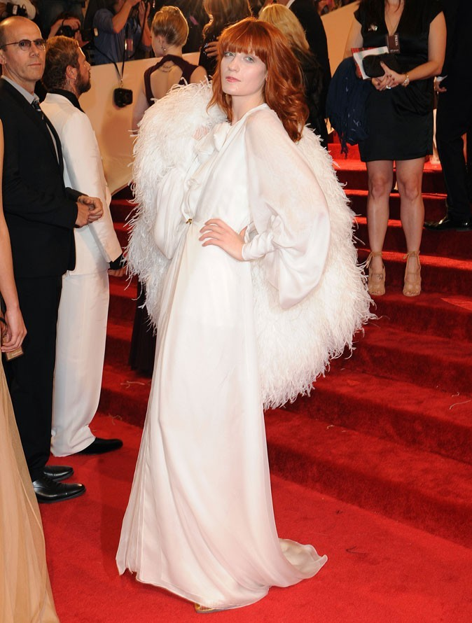 Florence Welch en robe longue Yves Saint Laurent au MET Ball 2011 !