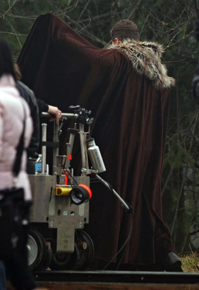 Découvrez les photos de Ginnifer Goodwin enceinte avec son fiancé sur le tournage de Once Upon a Time !