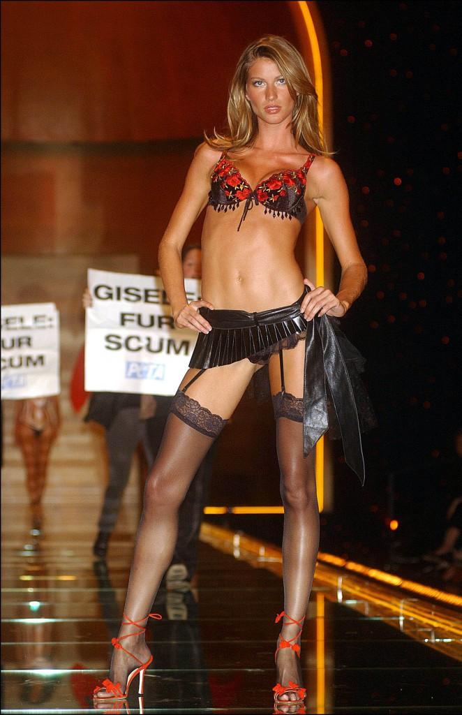 Gisele Bündchen pour Victoria's Secret (2002)