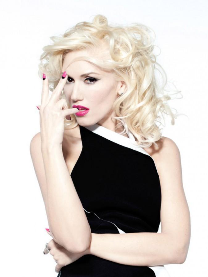 Les premières photos de la campagne Gwen Stefani for OPI dévoilées