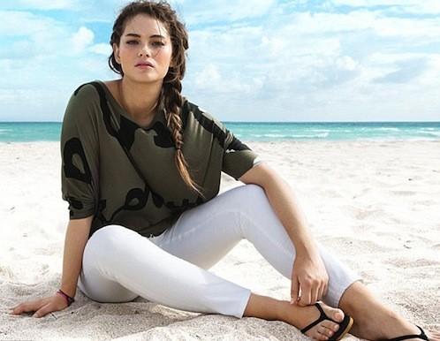 """H&M dit STOP à la mention """"plus-size"""" pour sa nouvelle collection de maillots de bain !"""