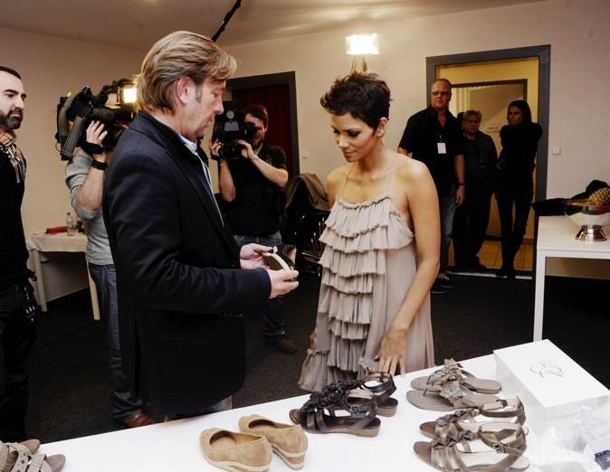 Halle Berry et les modèles en partenariat avec la griffe allemande Deichmann Shoes