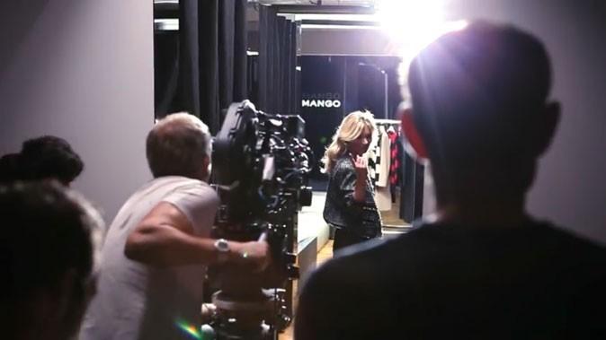 Kate Moss nous invite à la suivre dans les coulisses de la campagne Mango !