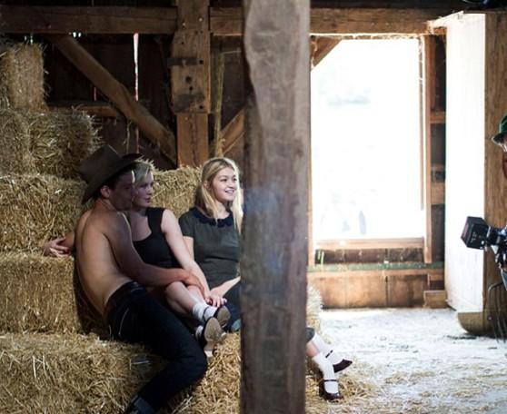 Mode : Ireland Baldwin et Gigi Hadid: aiment les ménages à trois pour Sisley !