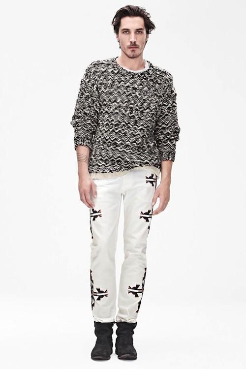 Pull, £59.99 (environ 71 euros); jeans, £59.99 (environ 71 euros)