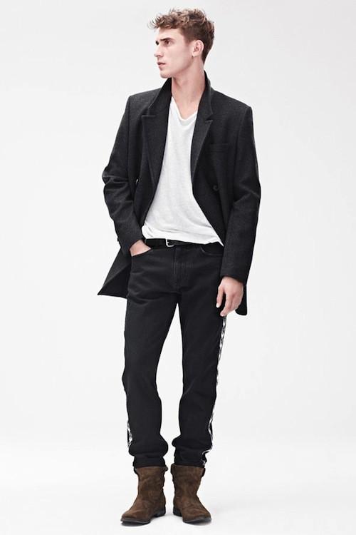 Veste, £99.99 (environ 119 euros); jeans, £59.99 (environ 71 euros); T-shirt, £19.99 (environ 23 euros); Boots, £99.99(environ 119 euros)