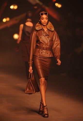 Jourdan défile pour Jean-Paul Gaultier pour Hermes Automne-Hiver 2009-2010