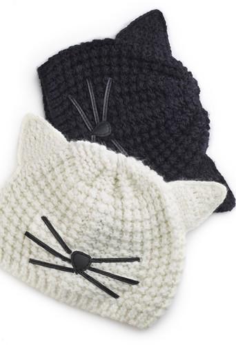 Bonnet de la collection Karl Lagerfeld inspirée de Choupette, 45€