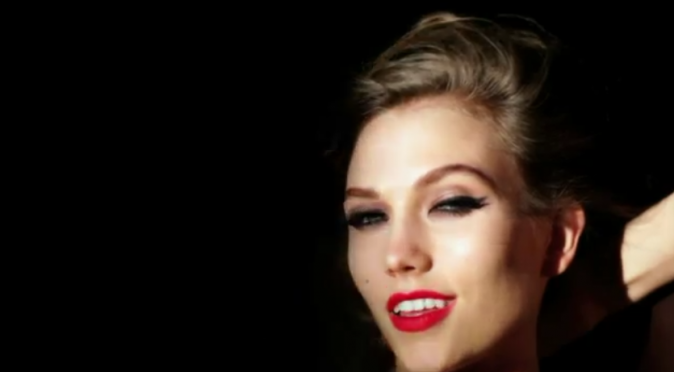 Karlie Kloss dans le spot F*** Me by Ruth Hogben