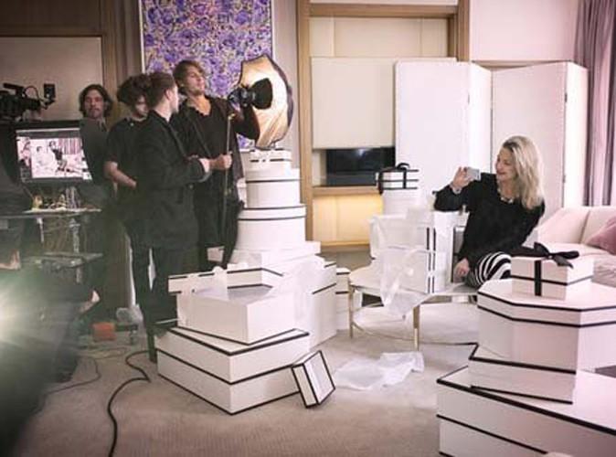 Kate Hudson épanouie et en famille pour la nouvelle campagne Ann Taylor !