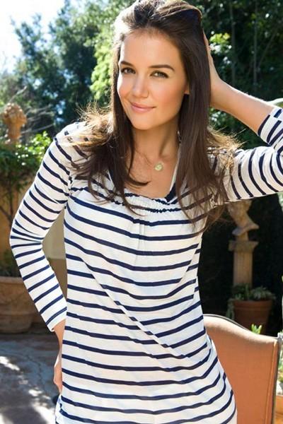 Mode : Katie Holmes portant la marinière de Kamiseta