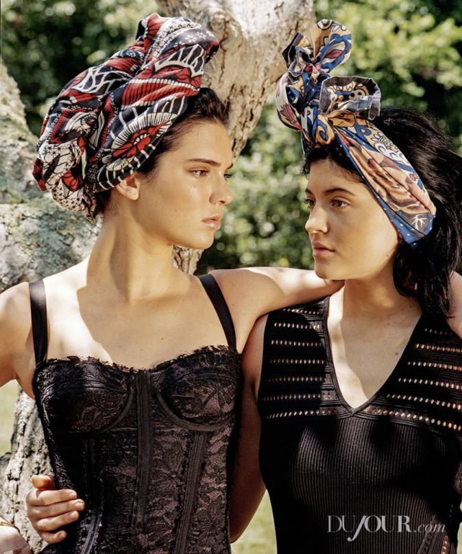 Kylie et Kendall Jenner pour la couverture de Dujour