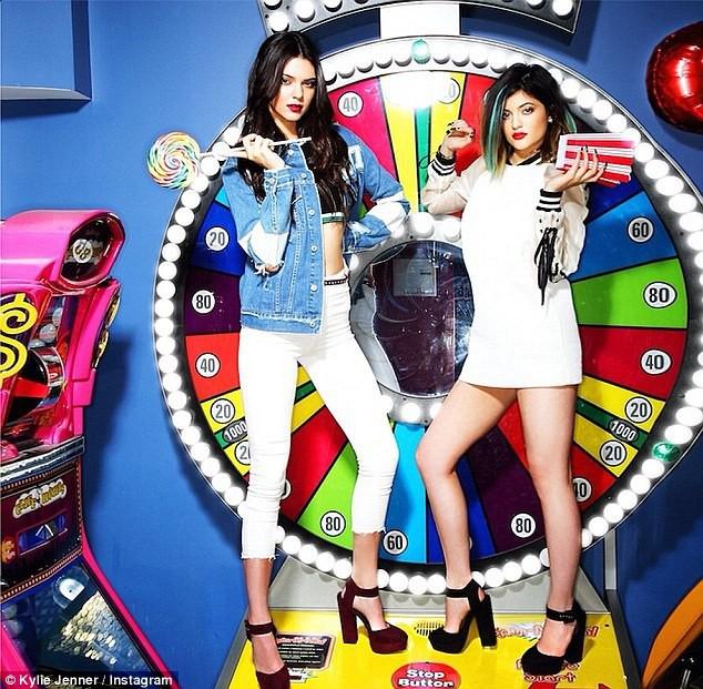 Kylie et Kendall Jenner pour Pacsun et Steve Madden