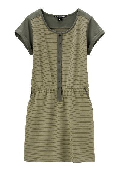 Charlotte Ronson x Uniqlo : on aime les petites robes d'été !