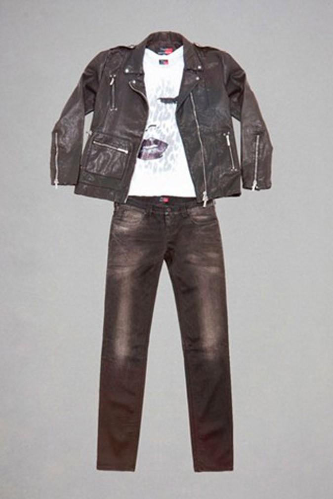 Un perfecto et un jean noir pour une allure rock