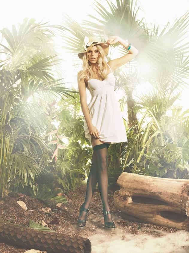 Alexandra Richards en blanc pour Tally Weijl, campagne printemps été 2011