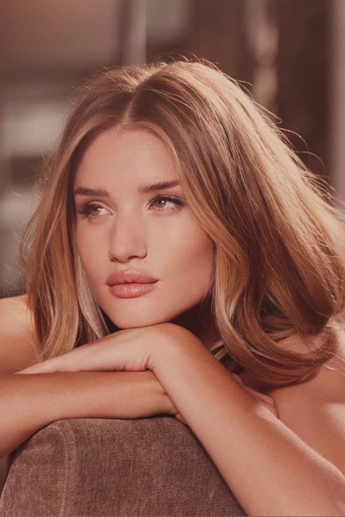 Collection Say it with roses de Rosie Huntington-Whiteley pour Marks & Spencer