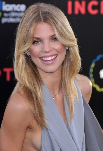 Le brushing blond d'AnnaLynne McCord en Juillet 2010 !