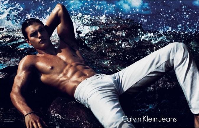 Matthew Terry pour la nouvelle campagne printemps-été 2012 de Calvin Klein Jeans