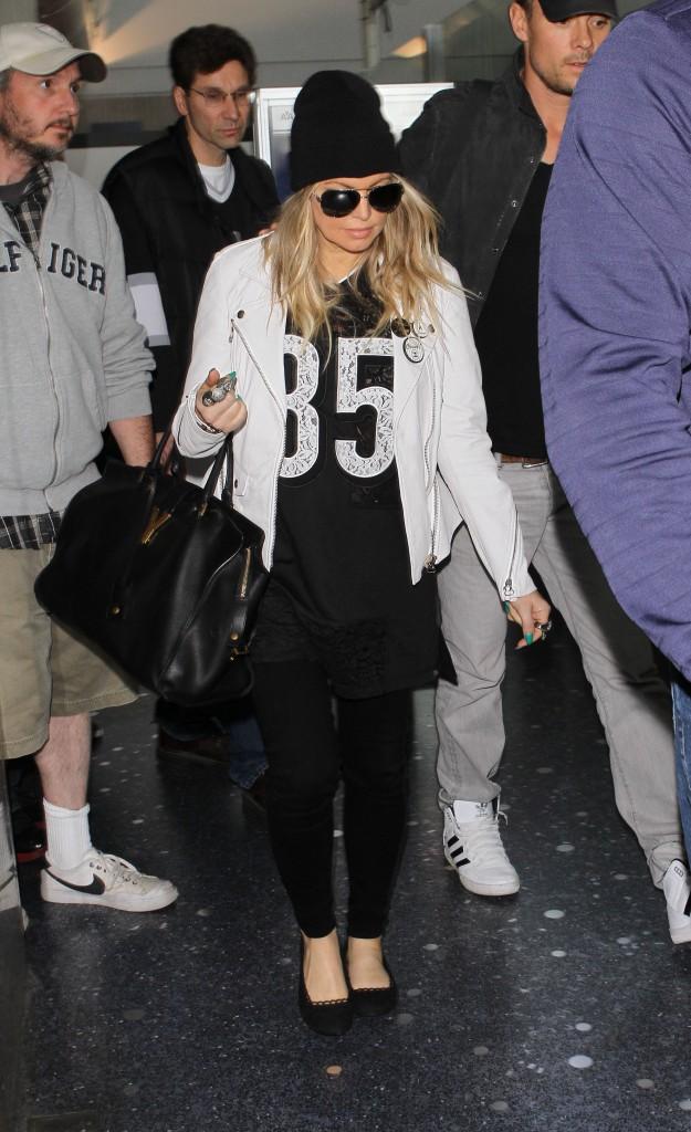 Le bonnet du 09/04/2013 porté par Fergie : chic ou swag ?