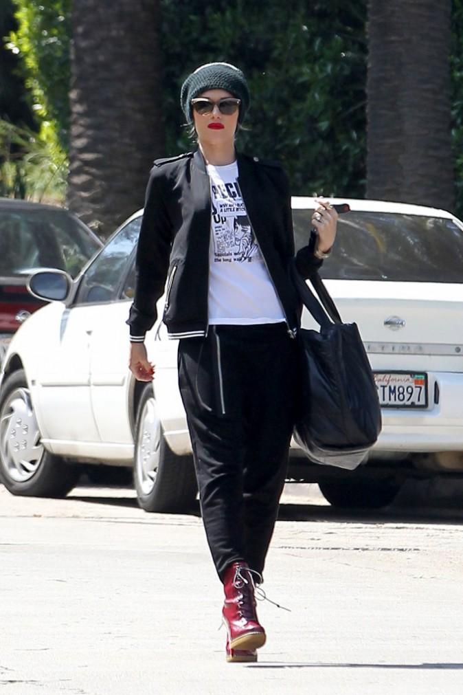 Le bonnet du 23/04/2013 porté par Gwen Stefani : chic ou swag ?