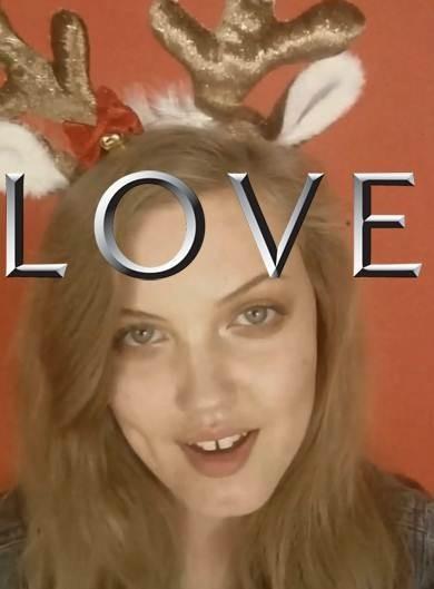 Lindsay Wixson chante Jingle Bells