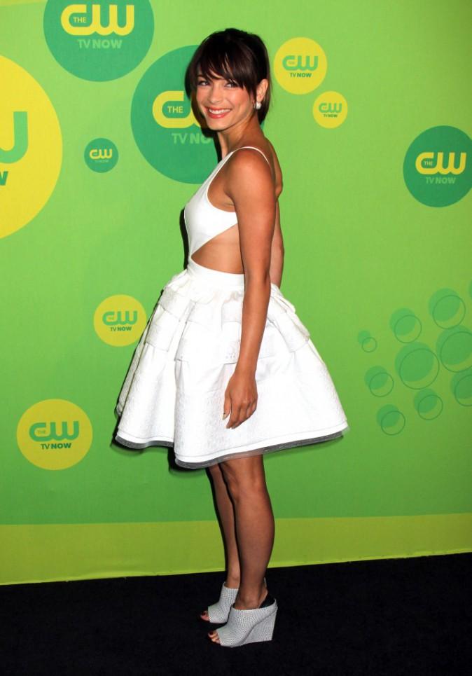 Le CV fashion de Kristin Kreuk : Pastel or white pour Lana Lang !