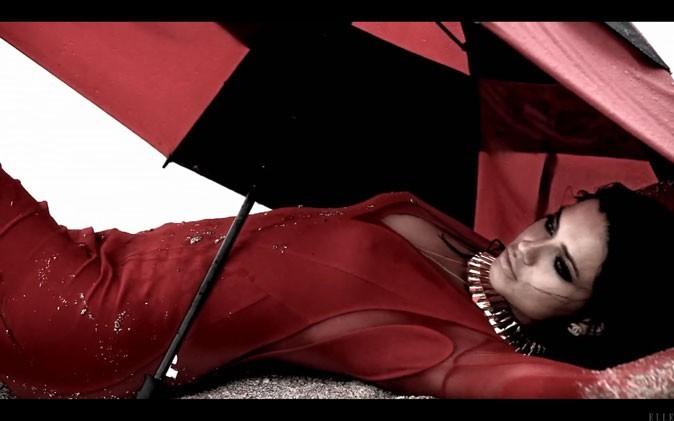 Adriana Lima, trempée mais incandescente !