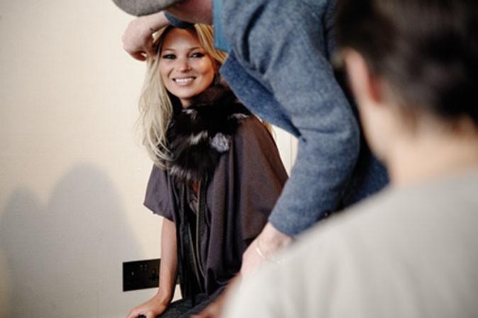 Kate Moss, toujours souriante sur les shootings !