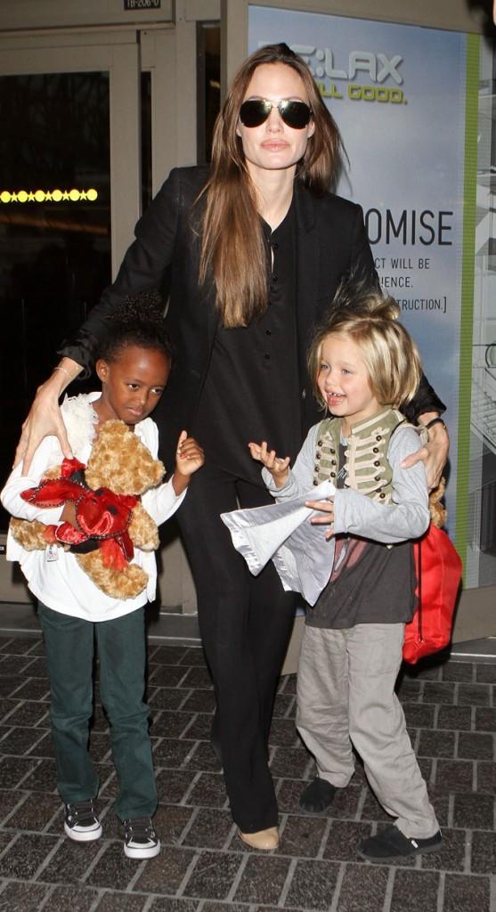 Angelina Jolie est toujours tout de noir vêtue !