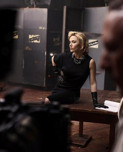 Kate Winslet apporte une touche de glam' à la marque St. John !