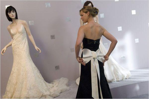 Katherine Heigl, sa très belle robe noire avec un noeud blanc dans le dos