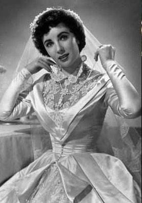 Liz Taylor, une robe très kitsch !