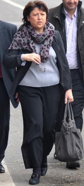 Martine Aubry, jamais sans son modèle XXL !